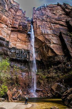 Zion National Park, Utah (From The 13 Most Beautiful National Parks in the USA). Parc National, Zion National Park, State Parks, Places To Travel, Places To See, Voyager C'est Vivre, Park Landscape, Les Cascades, Photos Voyages