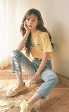 Korean Fashion How to Dress up Korean Style Designer Fashion Tips « niubi. Korean Girl Fashion, Korean Fashion Trends, Korean Street Fashion, Ulzzang Fashion, Korea Fashion, Ulzzang Girl, Asian Fashion, Teen Fashion Outfits, Cute Fashion