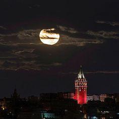 Kırmızı kule.. #galatakulesi #istanbul #i #galatatower
