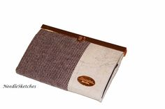 Wallet with one zip pocket, two slip pockets and 14 card slots. Rose gold detail with off-white cork and lilac tweed. Handmade Fabric Bags, Cork Fabric, Slow Fashion, Purse Wallet, Bag Making, Different Styles, Cross Body, Tweed, Lilac