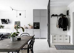 Binnenkijken in een Scandinavisch zwart-wit-grijs interieur