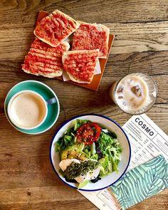 Pa amb tomàquet y i una bona amanid Spanish Food, Granada, Spices, Travel, Instagram, Spice, Viajes, Trips, Tourism