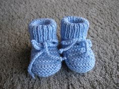 Baby Booties by Carole Barenys - free