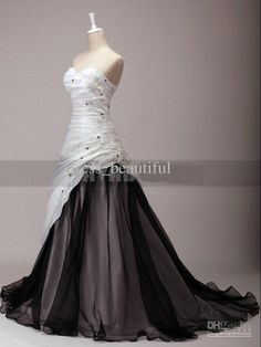 Discount Newest Black And White Dress Sweetheart Chapel Train Organza Wine Taffeta Embroidery Wedding Dresses Debenhams Dresses Lace Wedding Dress From Dress_beautiful, &Price; Wedding Dress Organza, Black Wedding Dresses, Wedding Gowns, Wedding White, Masquerade Wedding Dresses, Black Weddings, Buy Wedding Dress Online, Gothic Wedding, Gothic Fashion