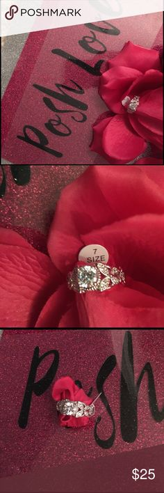 🌟New Listing🌟Stunning Ring NWT Great For Any Occasion Or Simply no Occasion At All💓. A JUST BECAUSE GIFT❤️. Size 7 WGF Comes in box❤️ Jewelry Rings
