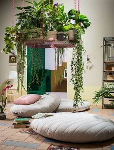 Living Room Decoration With Plants Ideas You'll Like; Living Room Decoration With Plants; Plants In Living Room; Living Room With Plants Deocr; Handmade Home Decor, Diy Home Decor, Ikea New, Multifunctional Furniture, Meditation Space, Meditation Corner, Meditation Pillow, Home And Deco, Small Apartments