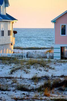 Nautical Cottage Blog -  | Sunshine Vacation Beach House in Gulf Shores | http://nauticalcottageblog.com