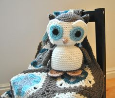 Love the owl and the blanket.  Blog links to pattern and workshop.