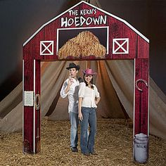 The Hoedown Barn Entrance features the look of an old red barn with stacks straw in it's loft. Best of all, the Hoedown Barn can be personalized with your own special message. Barn Dance Decorations, Farm Party Decorations, Barn Parties, Western Parties, Cowboy Party, Hoe Down Party, Western Photo Booths, Barn Dance Party, Daddy Daughter Dance