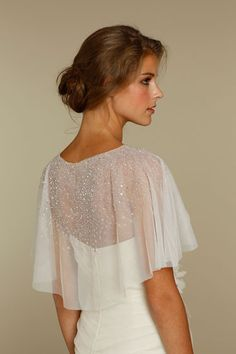 This cape look really works. Does it stay on reliably? Close-up back view w/ cape (Alvina Valenta, SPring 2012 Style AV9208)