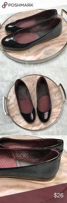Dr Martens Marie Black patent leather flats Dr Martens Marie slip on skimmer flats. Women's size 7, gently used with no flaws. Super cute with cuffed jeans and a tee or with baby doll dresses! Dr. Martens Shoes Flats & Loafers