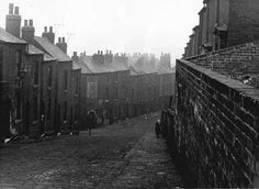 Rock Street Walkley Sheffield #sheffield My Family History, Local History, Old Pictures, Old Photos, Sources Of Iron, South Yorkshire, Derbyshire, Urban Landscape, Sheffield