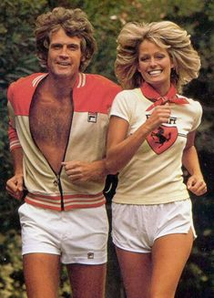 Lee Majors & Farrah Fawcett were married July 1973 and divorced Feb. In the couple simultaneously starred in separate top-rated TV shows, he in The Six Million Dollar Man and she in Charlie's Angels. Farrah Fawcett, Top Rated Tv Shows, Le Couple Parfait, Moda Rock, Mejores Series Tv, Lee Majors, Charlotte Rampling, Actrices Hollywood, Famous Couples