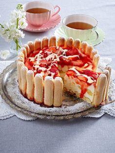 √ Fruchtige Tiramisu-Schokoladen-Charlotte http://www.wunderweib.de/kochen/19-kuehlschrankkuchen-suesses-ohne-backen-a313177.html?utm_source=Pinterest