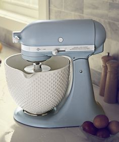 KitchenAid's Special Edition Stand Mixer Has Major Vintage V.- KitchenAid's Special Edition Stand Mixer Has Major Vintage Vibes Cute Kitchen, Kitchen Items, Kitchen Gadgets, New Kitchen, Vintage Kitchen, Kitchen Decor, Kitchen Appliances, Kitchen Utensils, Slate Appliances