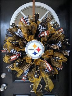Your place to buy and sell all things handmade Mesh Ribbon Wreaths, Tulle Wreath, Diy Wreath, Burlap Wreath, Wreath Ideas, Football Team Wreaths, Sports Wreaths, Summer Door Wreaths, Christmas Mesh Wreaths
