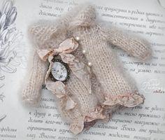 """좋아요 225개, 댓글 2개 - Instagram의 Nina Yeghiazaryan/Gasparyan(@oddprincessdolls)님: """"Time to get prepared for autumn 🍂 Beautiful hand knitted collection in my Etsy shop, link in…"""""""