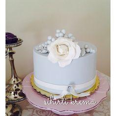 ...#fondantcakes #butikpasta #sugarart #sugarflowers #love