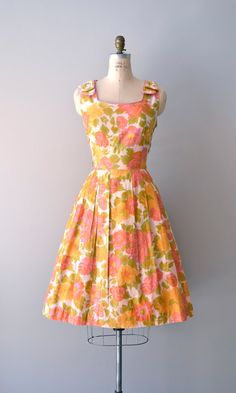 1950s Bright Gerbaria dress    #vintage #vintagedress #1950s
