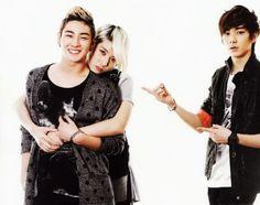 BaekRen :3  Poor Aron, what is Baekho doing with his Ren? :(