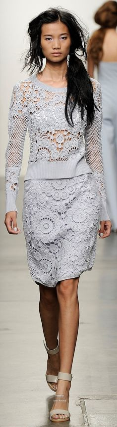 Tess Giberson SS 2015 RTW Gorgeous crochet. ♪ ♪ ... #inspiration #diy GB http://www.pinterest.com/gigibrazil/boards/