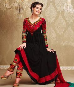Select from the best collection of party wear salwar suits at Sarees Palace. We have hundreds of designs of salwar kameez for party wear to choose from. India Fashion, Ethnic Fashion, Asian Fashion, Unique Fashion, Boho Fashion, Fashion Trends, Indian Attire, Indian Wear, Pakistani Dresses