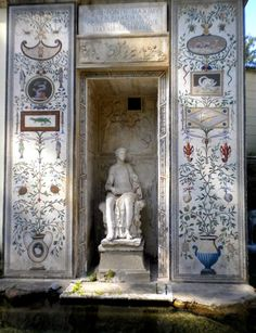 My last post  about the Vatican grotesques did not include all my discoveries, so here are a few more I felt like sharing.   Brain is d...