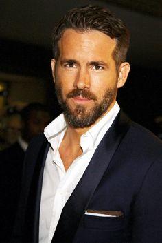 Ryan Reynolds... So. Hot.
