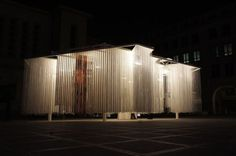 Polish pavilion in Brussels made of hanging ropes