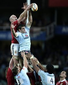 British and Irish Lions' Paul O'Connell (left) and Waratahs captain Dave Dennis battle for a line-out ball during a rugby union tour match on June 15 at Allianz Stadium in Sydney. English Rugby, British And Irish Lions, British Football, Rugby Sport, The Sporting Life, Football Stadiums, Sports Figures, World Of Sports, Training