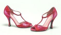 *-* J'adore ce rouge et ces paillettes ! {Modèle HONEY, coloris 'smashing red' par Annabel Winship, €240}