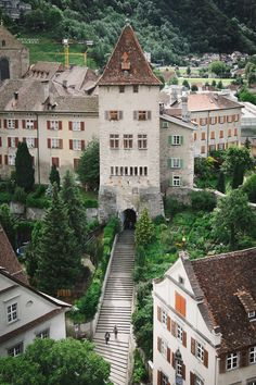This post is about places to go in and near Chur, the oldest city in Switzerland. Get ready for narrow streets, colorful houses, crestasee and caumasee! Chur Switzerland, Switzerland Cities, Visit Switzerland, Amazing Places On Earth, Beautiful Places, Austria, Luxury Escapes, Swiss Alps, Swiss Chalet
