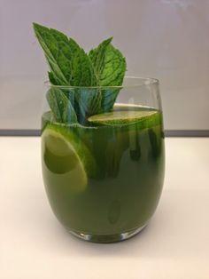 Gurken Minz Drink mit Limetten