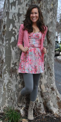 Girly dress with grey tights and boots Grey Tights, Colored Tights, Tights And Boots, Gussied Up, Fashion Looks, Women's Fashion, Pink Cardigan, Color Combinations, Layering
