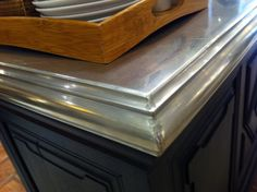 I love stainless steel counters!or a table top? Micro Kitchen, Kitchen And Bath, New Kitchen, Kitchen Decor, Kitchen Design, Kitchen Ideas, Stainless Countertops, Kitchen Countertops, Kitchen Benchtops