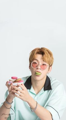 Wanna One Kang Daniel x Kissing Heart Wallpaper