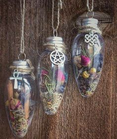 Yule Crafts, Wiccan Crafts, Pagan Yule, Witch Decor, Witch Aesthetic, Kitchen Witch, Pentacle, Book Of Shadows, Things To Sell