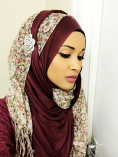 Cute and Fashionable Hijab Styles. Hijab is an essential part of Islam commonly associated with women, to cover their hair and other parts of the body. Gone are the days when women and girls would feel less confident wearing hijab. Turban Hijab, Hijab Niqab, Hijab Dress, Hijab Outfit, Arab Fashion, Islamic Fashion, Fashion 2020, Collection Eid, Belle Nana