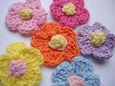 Cute crocheted flowers!
