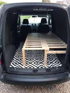 interior remodel Camper is notorious for lack of style and creativity. It is interesting to decorate your Camper to complete your remodeling work, but remember that you can desire to Auto Camping, Van Camping, Mini Camper, Vw Camper, Micro Campers, Camper Hacks, Kangoo Camper, Camper Beds, Kombi Home