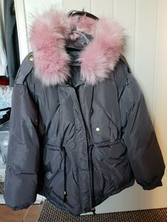 061c9061e08 Ladies Womens Medium Grey Padded Pink Faux Fur Short Parka Coat Jacket  #fashion #clothing #shoes #accessories #womensclothing #coatsjacketsvests  (ebay link)