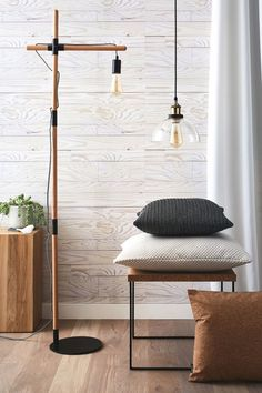Lampadaire : 20 luminaires chic et choc - Côté Maison Diy Luminaire, Black And White City, Salon Style, Home Projects, Industrial Style, Floor Lamp, Diy Furniture, Sweet Home, Shabby Chic