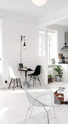 Nordic Interiors White Sillas Eames / Charles Eames & Silla Diamond / Harry Bertoia