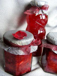 szeretetrehangoltan: Rózsaszirmos eperlekvár Xukorral (tartósítószer nélkül)