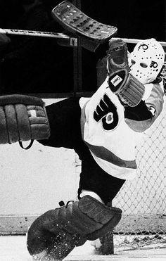 Philadelphia Flyers G Bernie Parent Flyers Hockey, Hockey Goalie, Hockey Teams, Hockey Stuff, Bernie Parent, Philadelphia Sports, Goalie Mask, Pittsburgh Penguins Hockey, Vancouver Canucks