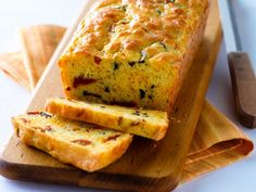 Did you know Silk® has a ton of tasty recipes, like this one for Sun-Dried Tomato, Olive and Cheese Bread - no thanks on the olives Olives, Cheddar, Almond Milk Recipes, Biscuits, Dinner Bread, Bread Appetizers, Pizza, Tasty, Yummy Food