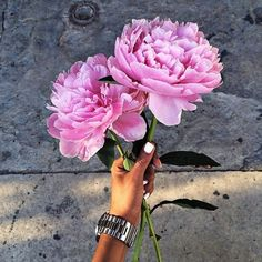 Imagem de flowers, pink, and nails