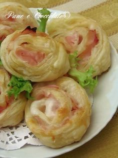 Rose di prosciutto e mozzarella ricetta buffet