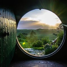 One of the most beautiful views ever. *Happy sigh* ___ I want to live in the Shire. I want to be a hobbit O Hobbit, Hobbit Hole, Casa Dos Hobbits, Into The West, Through The Window, Window View, Lord Of The Rings, Middle Earth, Lotr