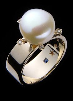 ♔ H.Stern. Pearl And Diamond ring In Rose Gold. I love this ring!